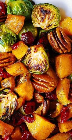 Thanksgiving Side Dish: Butternut Squash, Brussels Sprouts, Cranberries, Pecans #Thanksgiving #butternutsquash #brusselssprouts Cooking Recipes, Healthy Recipes, Side Recipes, Sausage Recipes, Steak Recipes, Veggie Recipes Sides, Beans Recipes, Veggie Snacks, Brussels Sprouts
