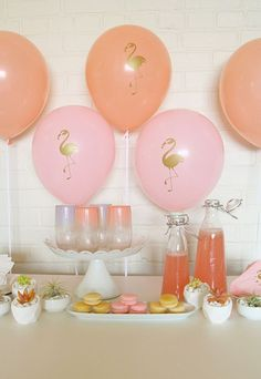 Flamingo party balloons for a flamingo sip-and-see/baby shower.