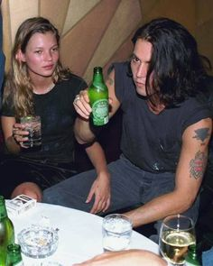 Actor Johnny Depp and girlfriend supermodel Kate Moss, at the thirty-eighth birthday party thrown by Depp for fellow iconoclastic actor Mickey Rourke at Metronome. Get premium, high resolution news photos at Getty Images Johnny Depp Joven, Johny Depp, Ali Michael, Young Johnny Depp, Vanessa Paradis, Mickey Rourke, George Clooney, Junger Johnny Depp, 90s Grunge Hair
