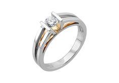 Solitaire aux lignes géométriques, dont le modernisme est souligné par un subtil mélange d'or rose et blanc 750 millièmes. <br /><br /> Disposé dans un serti cornière en V, le diamant scintille intensément grâce à sa pureté et la taille parfaite de ses 57 facettes.  <br /><br /> Réalisé à la main à Paris, le solitaire Milla est un bijou puissant et inspiré, conçu pour durer toute la vie.  <br /><br /> --- <br />...