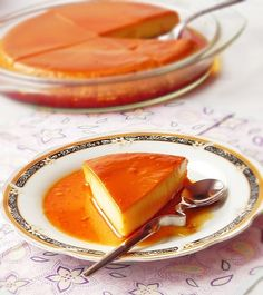 Flan: absolutely one of my dad's favorite desserts. No Cook Desserts, Just Desserts, Dessert Recipes, Delicious Deserts, Caramel Recipes, Russian Recipes, Popular Recipes, I Love Food, Sweet Recipes