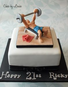Bodybuilder / Muscle Man - Cake by Louise Jackson Cake Design - CakesDecor Fancy Cakes, Cute Cakes, Crossfit Cake, Bodybuilder, Fitness Cake, Gym Cake, 21st Bday Ideas, Bolo Fit, Sport Cakes