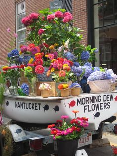 selling flowers...great display