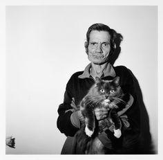 Roger Ballen, Man holding cat, 1995