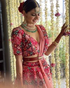 indian designer wear So here is a bride who had her destination wedding in Thailand all planned out, but thanks to the Coronavirus scare, had to rethink her dream wedding plan, whi Indian Wedding Poses, Indian Wedding Outfits, Indian Bridal, Indian Outfits, Dress Wedding, Mehendi Outfits, Wedding Bride, Chanya Choli, Bridal Lehenga Collection