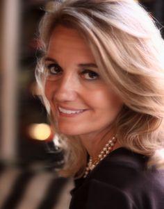 Pin de Bruno Astuto (site Época).  Obrigada por partilhar um artigo relativo à exposição de jóias no Brasil (2013).   http://colunas.revistaepoca.globo.com/brunoastuto/2013/05/17/maria-joao-bahia-designer-de-joias-portuguesa-que-e-sucesso-em-toda-a-europa-expoe-no-rio-de-janeiro  #epoca #brunoastuto #mariajoaobahia #joias #jewelry #brasil #exposicao #exhibition #joiasdeautor #avenidadaliberdade #luxury #luxo #press #clipping #obrigada