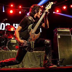 Metal Horns, Black Sabbath, Great Bands, Deep Purple, Lineup, Music Artists, Heavy Metal, Rock And Roll, Poses