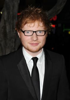 1b847cdea32 When he wore a pair of glasses and was literally the image of perfection. Ed  SheeranLove ...