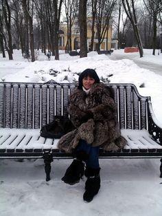 RUSSIAN WOMAN ,GIRLS and KIDs IN FUR COAT