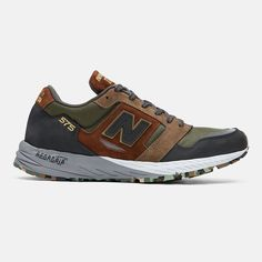 New Balance Made in UK 575 Dark Green - Todd Snyder Source by champzz new balance Mens Fashion Shoes, Sneakers Fashion, Camper Shoes Men, Iphone 5c, New Balance Outfit, Retro Jordans 11, Air Jordans, Nike Basketball Shoes, Moda Masculina