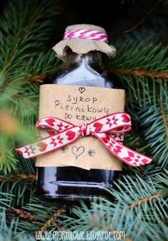 Kreatywna Mama czyli DIY po babsku: Syrop piernikowy - coś pysznego do zimowej kawy! Christmas Time, Christmas Gifts, Xmas, Christmas Ornaments, Something Sweet, Superfoods, Diy Gifts, Diy And Crafts, Food And Drink