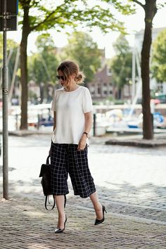 Culottes are making a major comeback this spring and summer. What are culottes, you ask? They've been around forever – they were originally worn by upper-class European men in the middle ages, and used to be tight with closures around the knee. Somewhere along the way, culottes became more loose and flowy pants that typically … Read More
