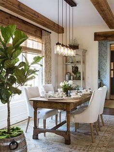A madeira reflete personalidade e muito estilo em qualquer item que você investe para a decoração da casa ;) No blog você confere diversas dicas e inspirações para colocar o toque de madeira na sua casa também!