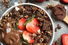Sjokoladeis med peanøttsmør. Foto: Raw Manda Norwegian Food, Norwegian Recipes, Healthy Ice Cream, Nice Cream, Cold Meals, Acai Bowl, Cake Recipes, Bakery, Goodies