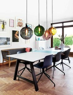 Luminaire salle à manger aux styles variés : jeu de lumières
