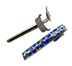 With Father's Day right around the corner, give dad the luxury of Simmons with this vibrant blue and silver tie bar with accompanying sterling silver sword pin. Or Just Because! #stuff4uand4u