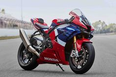 Honda CBR RR-R Nata per le competizioni, per vincere Motos Honda, Honda Cb750, Honda Superbike, Honda Bikes, Hypermotard Ducati, Honda Cbr 1000rr, Marc Marquez, Ducati 916, Triumph Bonneville T100