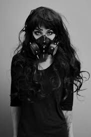 Post-apocalypse fashion / dystopian looks / post-apocalyptic style / gas mask / green hair / apocalypse looks/ female / women's / apocalyptic style / details Art Magique, Post Apocalyptic Fashion, Cybergoth, Mad Max, Dark Beauty, Goth Beauty, Mode Style, Character Inspiration, Hair Inspiration