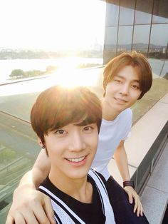Ten and Johnny are giving me a hard time. I really hard time. #SMROOKIES