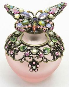 Pink Butterfly Perfume Bottle - Not sure if it's an Irice, but it is pretty! Perfumes Vintage, Antique Perfume Bottles, Vintage Bottles, Glass Perfume Bottles, Bottle Vase, Bottles And Jars, Parfum Rose, Beautiful Perfume, Art Nouveau