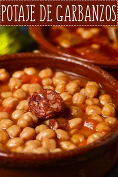 Chickpea Potaje Recipe EASY- We show you how to make a delicious soup of Cuban Chickpeas very easy to prepare. You can do it at Home in just 5 STEPS. Crockpot Recipes, Soup Recipes, Cooking Recipes, Mexican Food Recipes, Vegetarian Recipes, Cuban Cuisine, Batch Cooking, Best Dinner Recipes, Food Videos