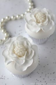 """1920's Vintage """"Great Gatsby"""" Wedding Rose and Pearl Cupcakes."""