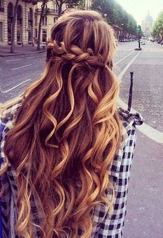 20+ Half Up Half Down Curly Hairstyles