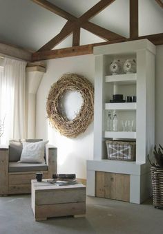 Over-sized wreath, so beautiful