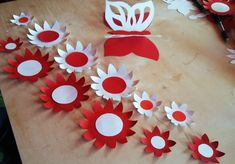 Craft Activities For Kids, Preschool Crafts, Crafts For Kids, Fabric Flowers, Paper Flowers, Exam Wishes, White Garland, Diy And Crafts, Arts And Crafts