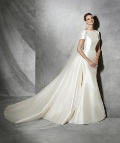 TALIN - Vestido de noiva moderno de manga curta | Pronovias
