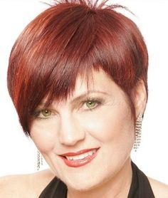 rövid frizurák 50 feletti nőknek - aszimmetrikus frizura 50 felett