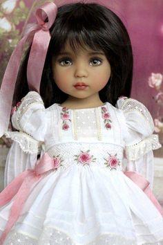 Trendy Crochet Doll For Sale Pretty Dolls, Cute Dolls, Beautiful Dolls, Girl Doll Clothes, Doll Clothes Patterns, Girl Dolls, Dolls Dolls, Barbie Dolls, Porcelain Doll Makeup