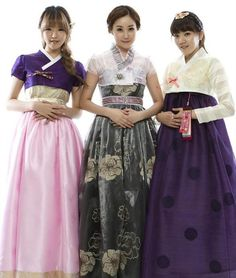 Modern twist on hanbok 2011 (Kim Greem, Suki, and Lee Boram of Women Power) Korean Traditional Dress, Traditional Dresses, Korea Dress, Modern Hanbok, Korean Outfits, Korean Clothes, Bridesmaid Dresses, Wedding Dresses, Lolita Fashion