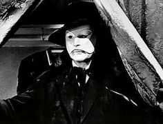 Phantom of the Opera played by Cladue rains in the 1943 film. Claude Rains, Gaston Leroux, Horror Pictures, Black Lagoon, Bride Of Frankenstein, Classic Monsters, Vintage Horror, Phantom Of The Opera, Horror Films