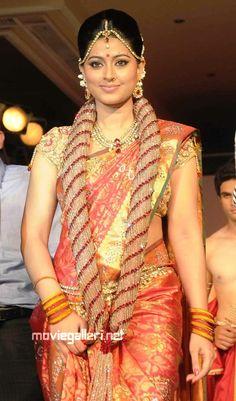 Telugu wedding saree designs … - Wedding Makeup How Telugu Wedding, Wedding Sari, South Indian Sarees, South Indian Bride, Indian Bridal Fashion, Most Beautiful Indian Actress, Indian Beauty Saree, Saree Blouse Designs, Blouse Patterns