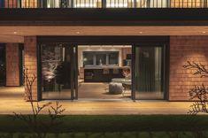 Villa, Garage Doors, Outdoor Decor, Home Decor, Penthouse Apartment, Real Estate Agents, Farm Cottage, Farmhouse, Luxury