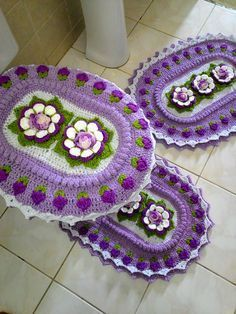 Jogo de banheiro em crochê Flor Isadora. Uma ótima opção de decoração para…