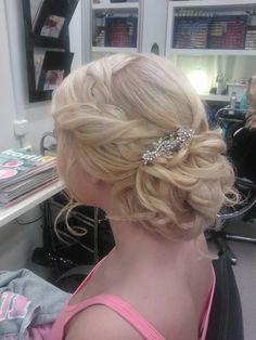Vanhojen kampaus Got Married, Our Wedding, Hair Beauty, Fashion, Moda, Fashion Styles, Fashion Illustrations, Cute Hair