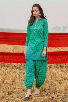 Simple Pakistani Dresses, Pakistani Dresses Online, Eid Dresses, Lawn Fabric, Pakistani Designers, 1 Piece, Fabric Design, Designer Dresses, Bridal Photography