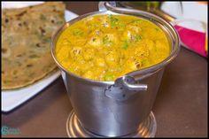 Phool Makhana Curry Recipe | Lotus Seed Masala Recipe Paratha Recipes, Paneer Recipes, Curry Recipes, Vegetarian Recipes, Snack Recipes, Cooking Recipes, Indian Snacks, Indian Food Recipes, Ethnic Recipes