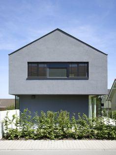 Pforzheim - schlichte Fassade und OG größer als UG