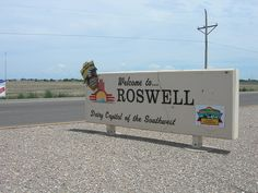 Roswell, New Mexico - 4 Odd Towns You Need to See to Believe.My birthplace. I am a Air Force Brat and a alien. New Mexico Road Trip, Road Trip Usa, Mexico Travel, North Dakota, North America, The Places Youll Go, Places To See, Roswell New Mexico, Land Of Enchantment