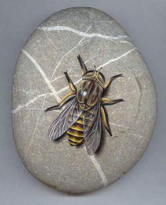 "-Roberto Rizzo: ""Tafano"" - bee painted on a stone"