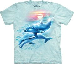Dolphin Sunset koszulka The Mountain- sklep internetowy geekcode. Cool T Shirts, Tee Shirts, Tees, Animal Sweater, Nfl, Delphine, Tshirts Online, T Shirts For Women, Mens Tops