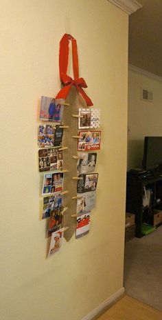 DIY burlap wall Christmas card holder - Ways to display holiday cards in small spaces