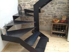 Contemporary style steel plate staircase | Escalier en tôle d'acier contemporain