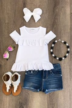 White sunkissed shoulder shirt boutique outfits мода дети, д Baby Outfits, Outfits Niños, Little Girl Outfits, Cute Outfits For Kids, Little Girl Fashion, Toddler Girl Outfits, Toddler Fashion, Kids Fashion, Womens Fashion