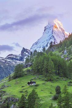 Zermatt view to the Mayterhorn Zermatt, Swiss Alps, Travel Memories, Beautiful Places, Relax, Mountains, Autumn, Celebrities, Winter