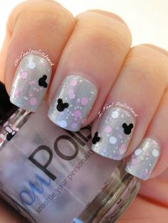 Disney manicure The post Disney manicure appeared first on nageldesign. Disney Halloween Nails, Halloween Nail Designs, Disney Manicure, Manicure And Pedicure, Pedicure Ideas, Pedicure Designs, Easy Disney Nails, Disney Nail Designs, Nail Art Designs