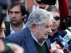 Mujica habló de enseñanza orientada a formación técnica